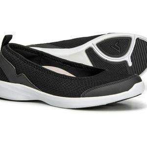 Vionic athletic slip on shoe size 9